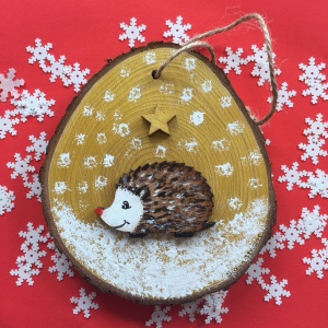 hedgehog_wooden_christmas_decoration