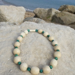 beaded_necklass