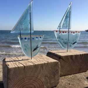 glass_sailboats