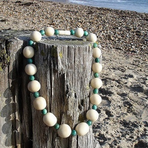 natural_beaded_necklace_2